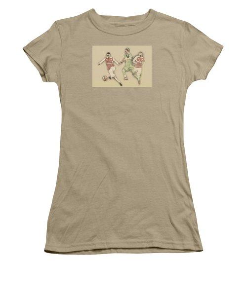 Mesut Ozil Women's T-Shirt (Junior Cut) by Don Kuing