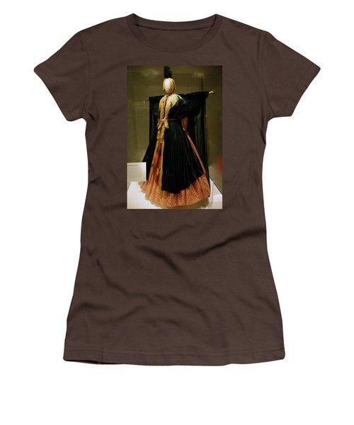 Gone With The Wind - Carol Burnett Women's T-Shirt (Junior Cut) by LeeAnn McLaneGoetz McLaneGoetzStudioLLCcom