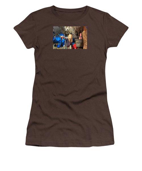 Orlando Bloom Women's T-Shirt (Junior Cut) by Qingrui Zhang