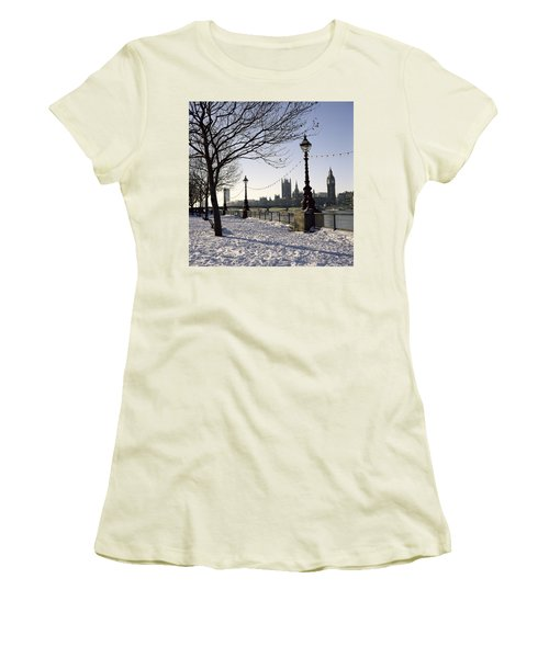 Big Ben Westminster Abbey And Houses Of Parliament In The Snow Women's T-Shirt (Junior Cut) by Robert Hallmann