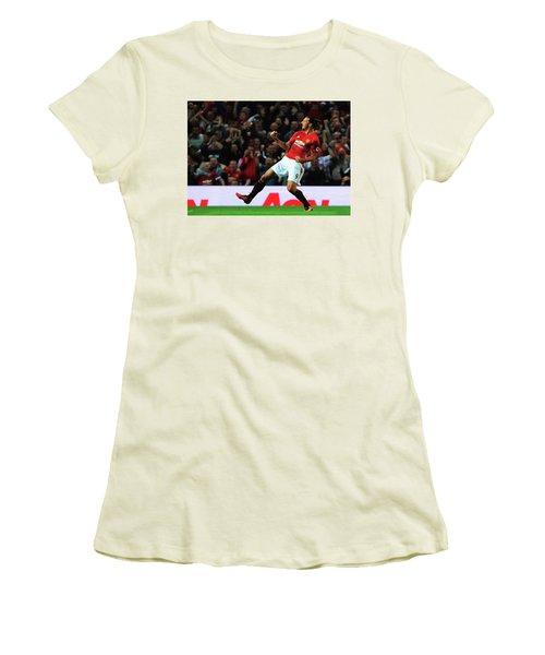 Manchester United's Zlatan Ibrahimovic Celebrates Women's T-Shirt (Junior Cut) by Don Kuing