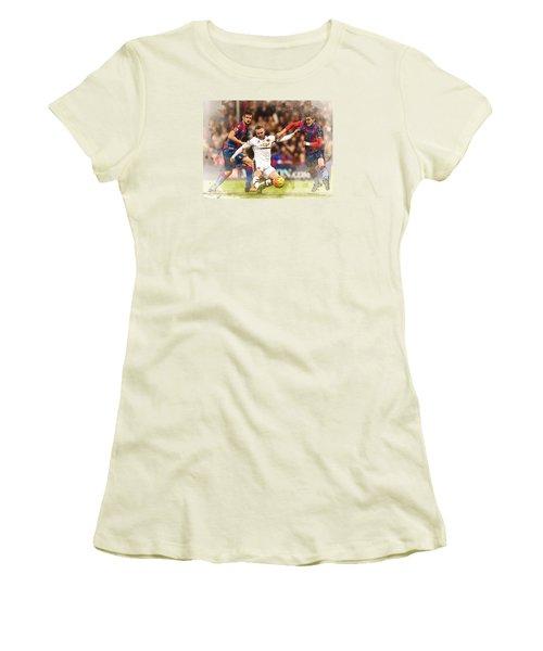 Wayne Rooney Shoots At Goal Women's T-Shirt (Junior Cut) by Don Kuing