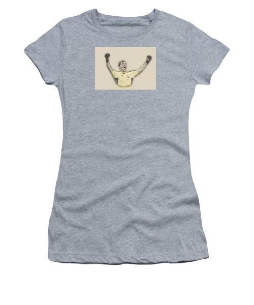 Iker Casillas  Women's T-Shirt (Junior Cut) by Don Kuing