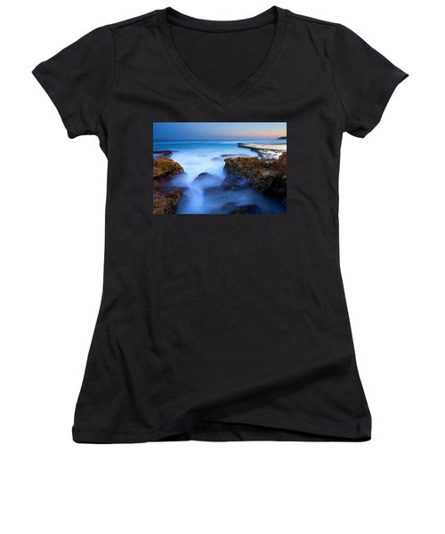 Tidal Bowl Boil Women's V-Neck T-Shirt (Junior Cut) by Mike  Dawson