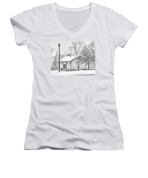 Whitehouse Train Station Women's V-Neck T-Shirt (Junior Cut) by Jack Schultz