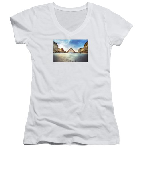 Louvre Museum Women's V-Neck T-Shirt (Junior Cut) by Ivan Vukelic