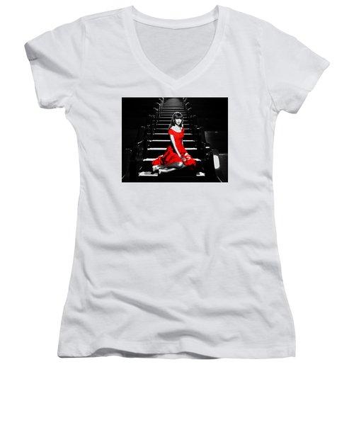 Taylor Swift 8c Women's V-Neck T-Shirt (Junior Cut) by Brian Reaves
