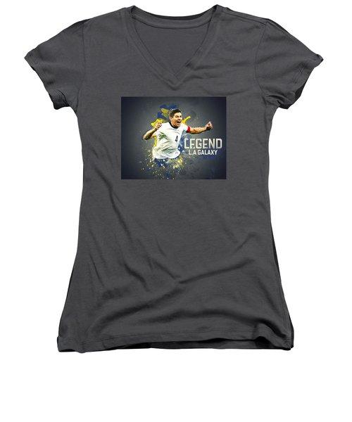Steven Gerrard Women's V-Neck T-Shirt (Junior Cut) by Taylan Apukovska