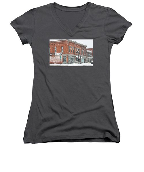 Whitehouse Ohio In Snow 7032 Women's V-Neck T-Shirt (Junior Cut) by Jack Schultz