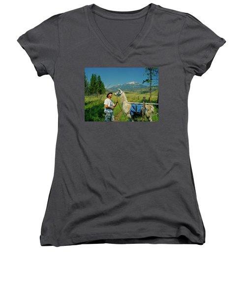 Man Teasing A Llama Women's V-Neck T-Shirt (Junior Cut) by Jerry Voss