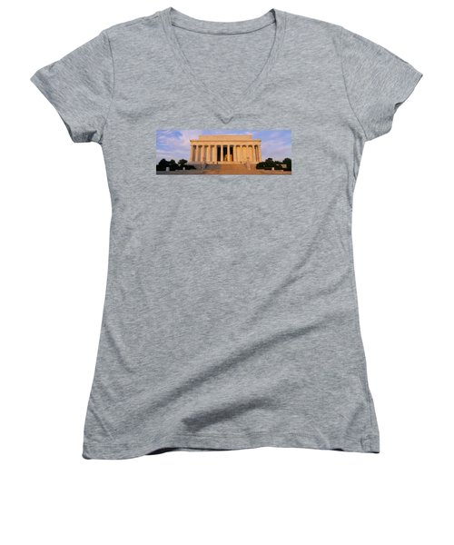 Facade Of A Memorial Building, Lincoln Women's V-Neck T-Shirt (Junior Cut) by Panoramic Images