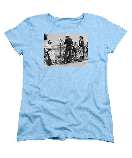Women Pickets In Salinas Women's T-Shirt (Standard Cut) by Underwood Archives