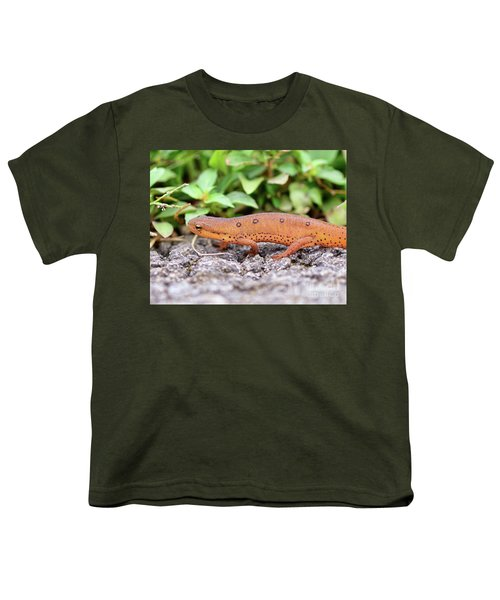 Red Eft - Close Up Youth T-Shirt by Kerri Farley