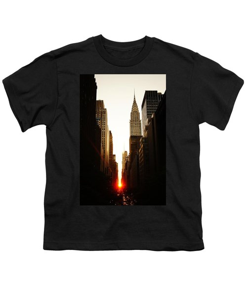 Manhattanhenge Sunset And The Chrysler Building  Youth T-Shirt by Vivienne Gucwa