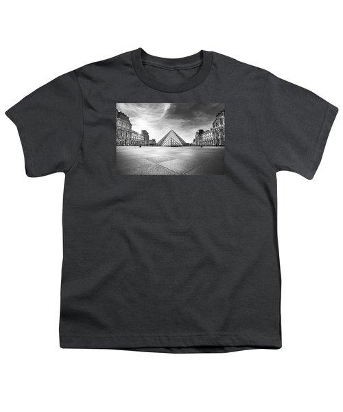 Louvre Bw Youth T-Shirt by Ivan Vukelic