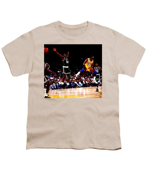 Magic Johnson No Look Pass 7a Youth T-Shirt by Brian Reaves