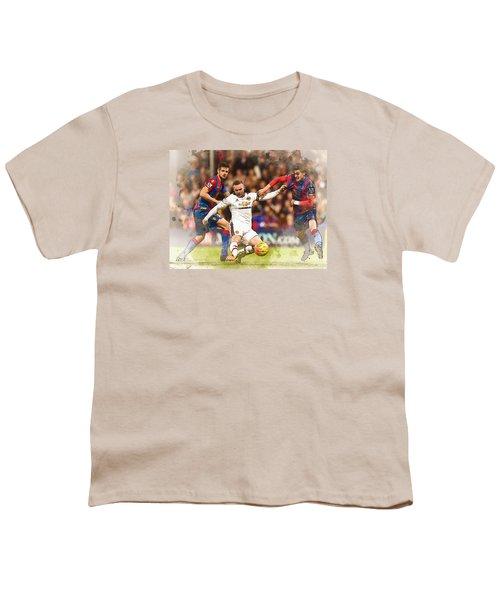 Wayne Rooney Shoots At Goal Youth T-Shirt by Don Kuing