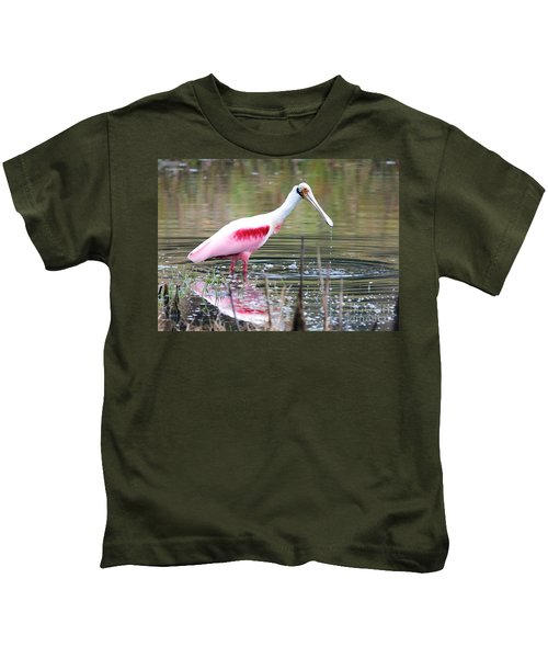 Spoonbill In The Pond Kids T-Shirt by Carol Groenen
