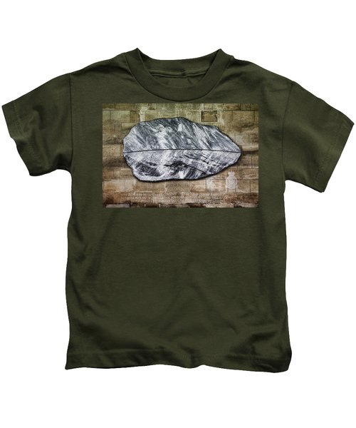 Westminster Military Memorial Kids T-Shirt by Stephen Stookey