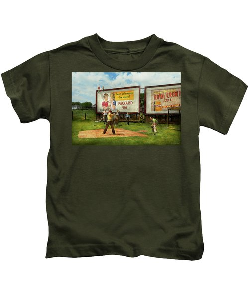 Sport - Baseball - America's Past Time 1943 Kids T-Shirt by Mike Savad