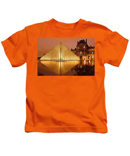 The Louvre By Night Kids T-Shirt by Ayse Deniz