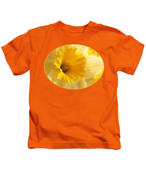 Focus On Spring - Daffodil Close Up Kids T-Shirt by Gill Billington