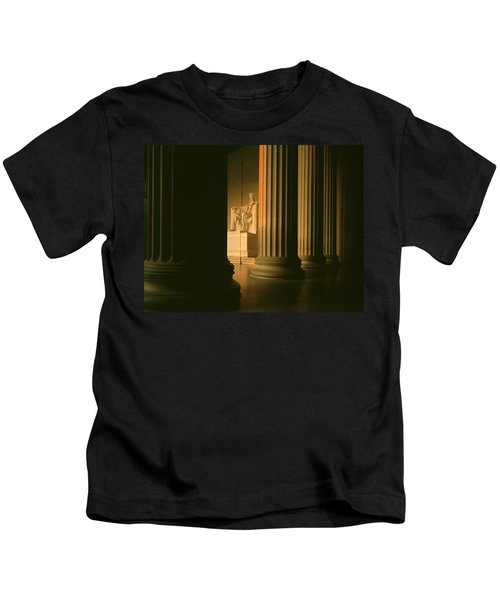 The Lincoln Memorial In The Morning Kids T-Shirt by Panoramic Images