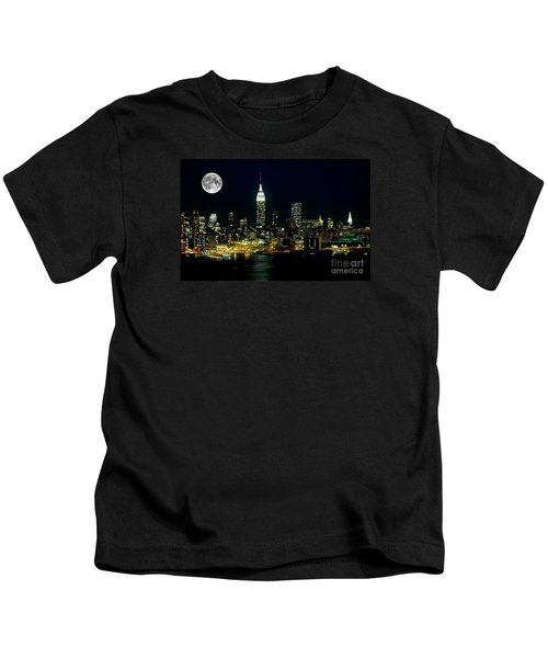 Full Moon Rising - New York City Kids T-Shirt by Anthony Sacco