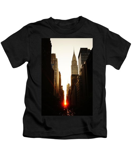 Manhattanhenge Sunset And The Chrysler Building  Kids T-Shirt by Vivienne Gucwa