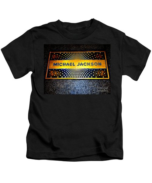 Michael Jackson Apollo Walk Of Fame Kids T-Shirt by Ed Weidman
