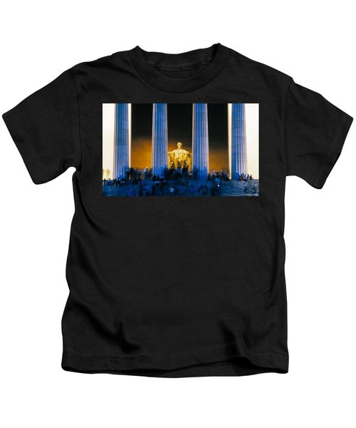 Tourists At Lincoln Memorial Kids T-Shirt by Panoramic Images