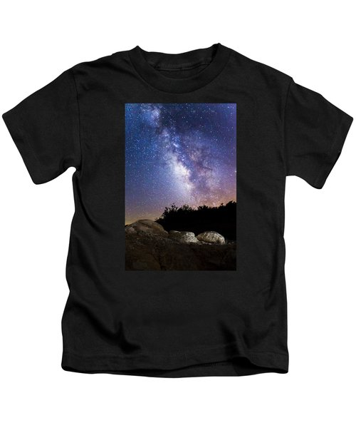 Milky Way Over A Western Diamondback Rattlesnake Kids T-Shirt by Chuck Brown