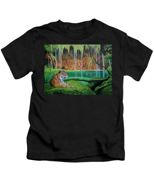Tiger At The Waterfall  Kids T-Shirt by Manuel Lopez