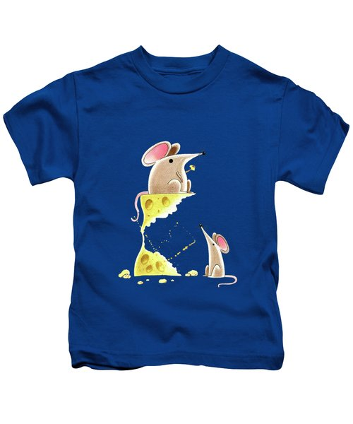Living Dangerously  Kids T-Shirt by Andrew Hitchen