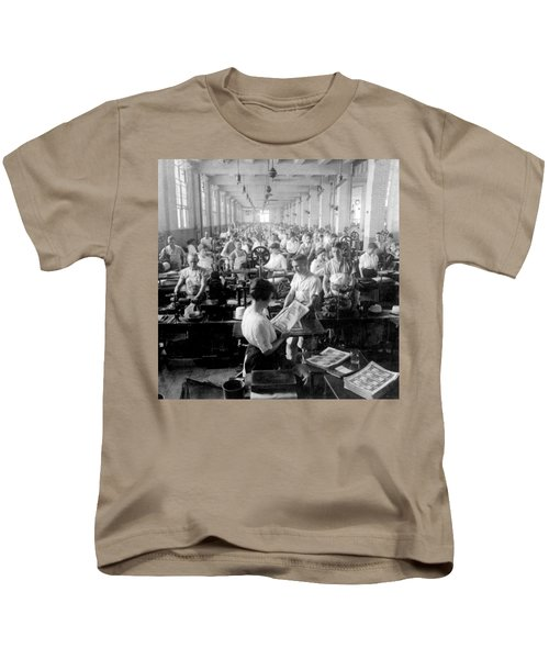 Making Money At The Bureau Of Printing And Engraving - Washington Dc - C 1916 Kids T-Shirt by International  Images
