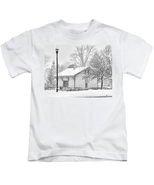 Whitehouse Train Station Kids T-Shirt by Jack Schultz