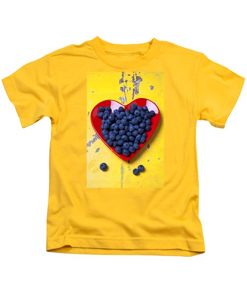 Red Heart Plate With Blueberries Kids T-Shirt by Garry Gay