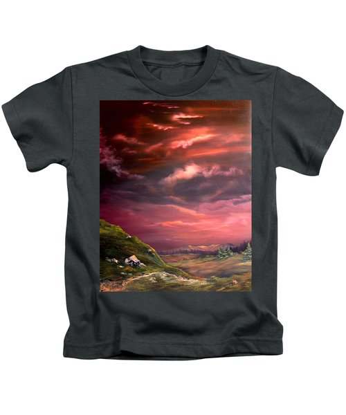 Red Sky At Night Kids T-Shirt by Jean Walker