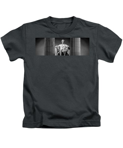 Statue Of Abraham Lincoln Kids T-Shirt by Panoramic Images