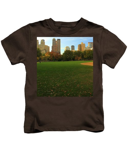 Central Park In Autumn Kids T-Shirt by Dan Sproul
