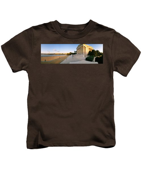 Monument At The Riverside, Jefferson Kids T-Shirt by Panoramic Images
