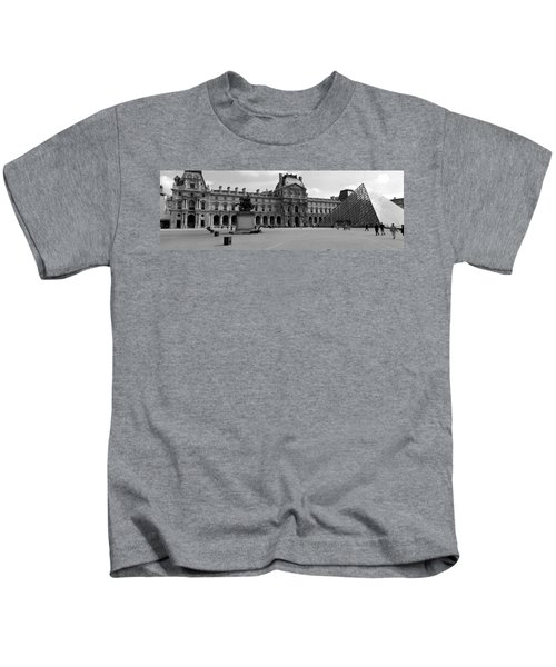 Tourists In The Courtyard Of A Museum Kids T-Shirt by Panoramic Images