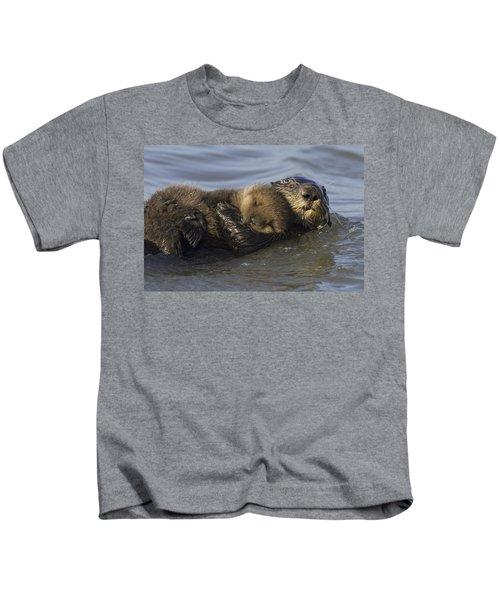 Sea Otter Mother With Pup Monterey Bay Kids T-Shirt by Suzi Eszterhas