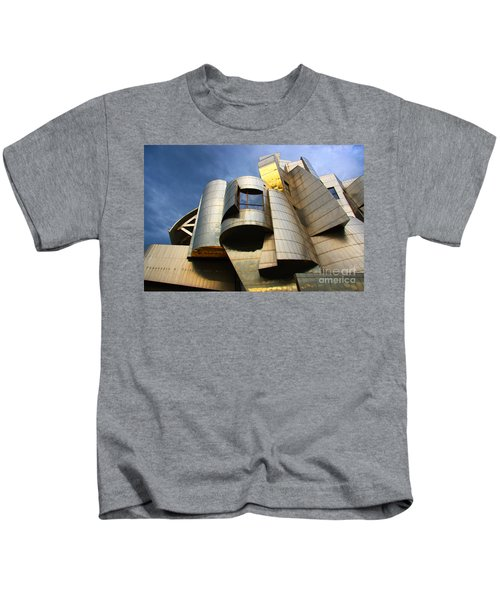 Weisman Art Museum University Of Minnesota Kids T-Shirt by Wayne Moran