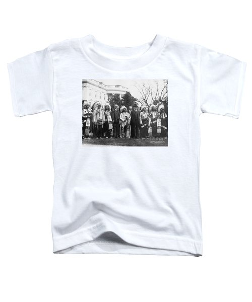 Coolidge With Native Americans Toddler T-Shirt by Photo Researchers