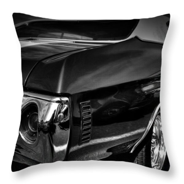 1972 chevrolet chevelle Throw Pillow by David Patterson