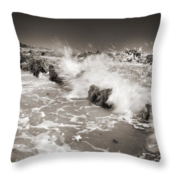 Bolonia waves Throw Pillow by Guido Montanes Castillo