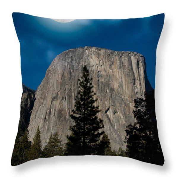 El Capitan, Yosemite Np Throw Pillow by Mark Newman