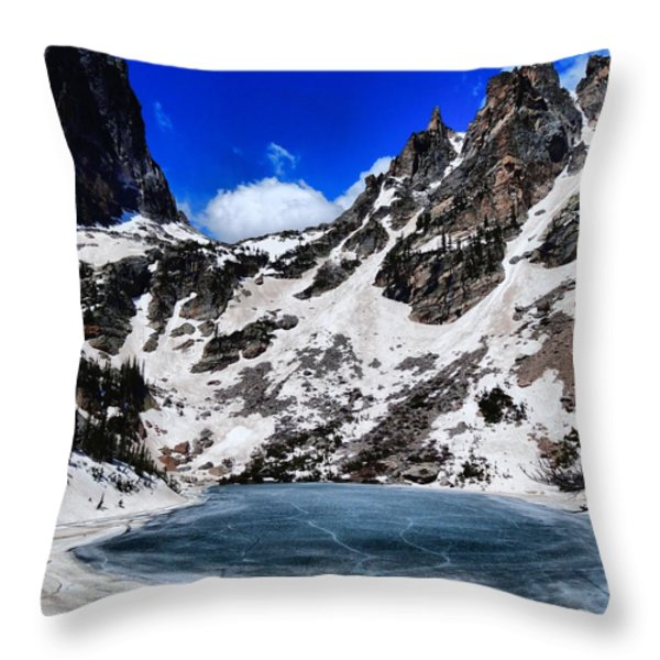 Emerald Lake In Rocky Mountain National Park Throw Pillow by Dan Sproul