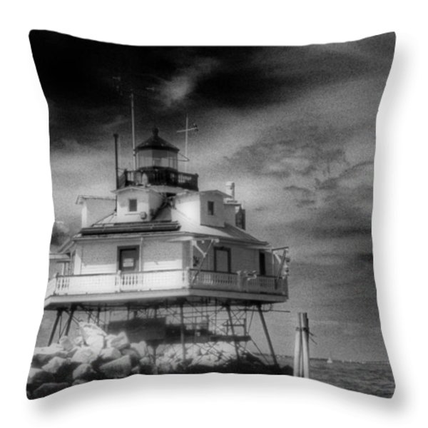 THOMAS POINT SHOAL LIGHTHOUSE Throw Pillow by Skip Willits